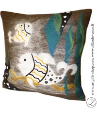 hand-felted-pillow-fish-unique-details-interior-artist-lina-egle-urbonaite-lgifts-lithuania