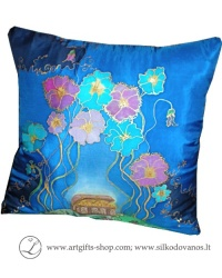 hand-painted-silk-pillow-case-flower-treasure-chest-blue-tapyta-silkine-pagalvele-lobiu-skrynia-geles-melyna