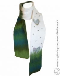 hand-felted-merino-wool-scarf--l-gifts-lina-egle-urbonaite-green-white-heart-1