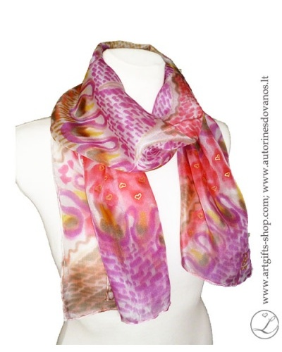 hand-painted-silk-scarf-lithuania-wearableart-handmade-heart-pink-red-brown-1